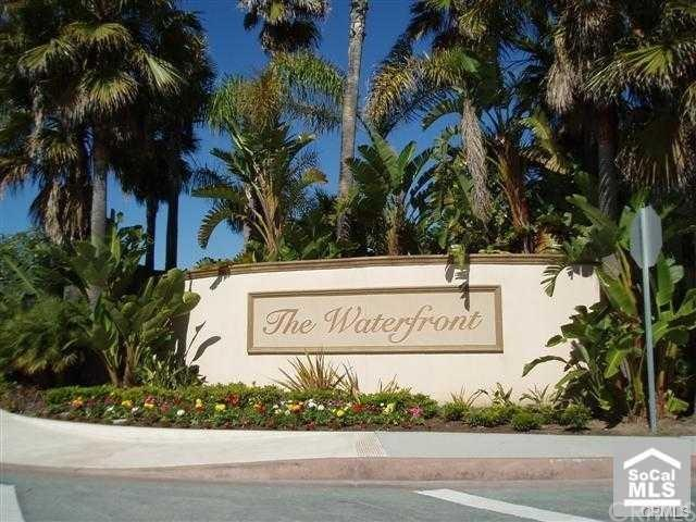 7992 Ubeda, Huntington Beach, CA 92648 (#OC17144086) :: RE/MAX New Dimension