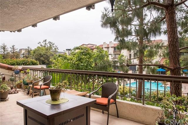 8601 Falmouth Avenue #216, Playa Del Rey, CA 90293 (#SB17144300) :: Erik Berry & Associates