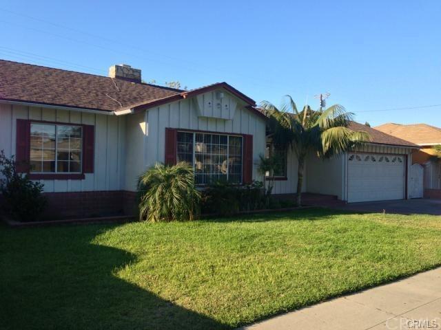 1405 W 10th Street, Santa Ana, CA 92703 (#PW17144326) :: RE/MAX New Dimension