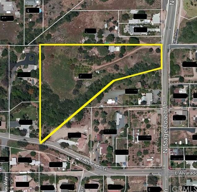 202 N Stage Coach Lane, Fallbrook, CA 92028 (#PW17144743) :: Allison James Estates and Homes