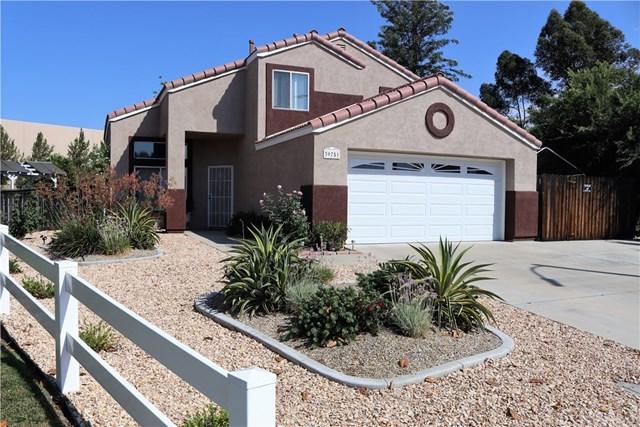 39751 Via Castana, Murrieta, CA 92563 (#SW17145740) :: Allison James Estates and Homes