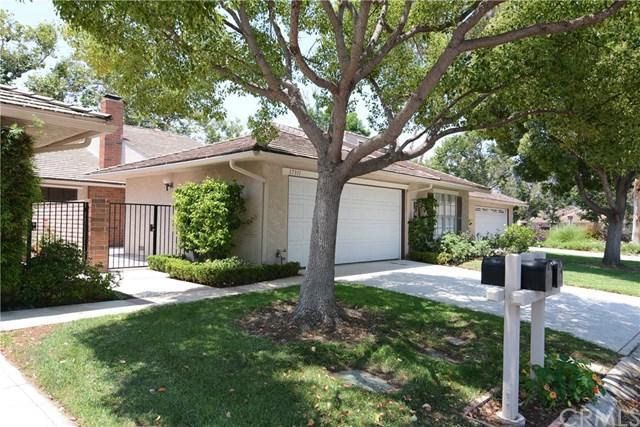17311 Peach, Irvine, CA 92612 (#OC17144202) :: Fred Sed Realty