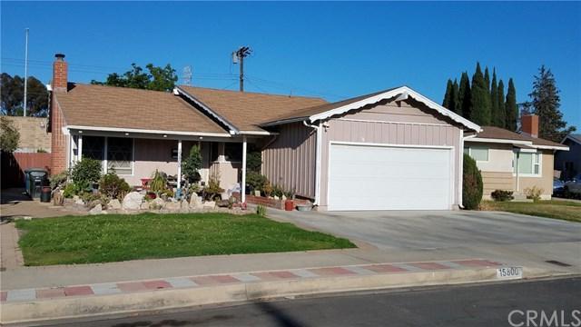 15800 Bonsallo Avenue, Gardena, CA 90247 (#RS17145947) :: Erik Berry & Associates