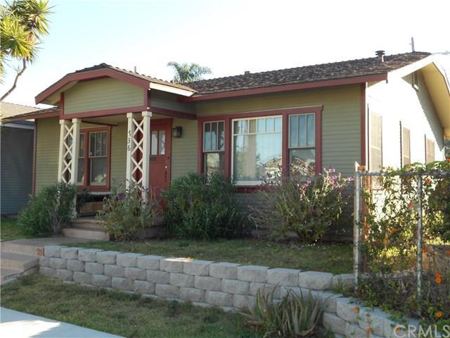 736 Border Avenue, Torrance, CA 90501 (#SB17146300) :: Erik Berry & Associates