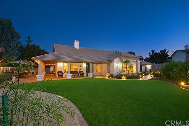 1888 Palomares Road, Fallbrook, CA 92028 (#SW17146392) :: Allison James Estates and Homes