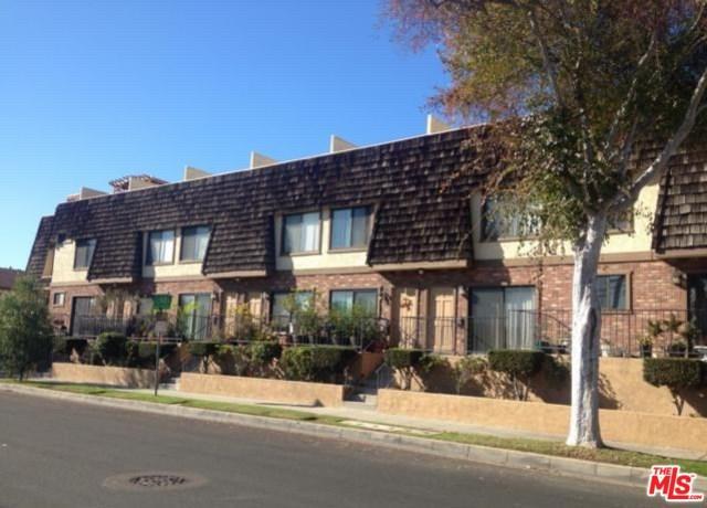 1604 W 158TH Street G, Gardena, CA 90247 (#17246008) :: Erik Berry & Associates