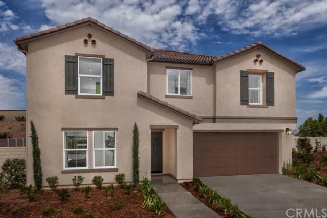 4185 Isabella Circle, Lake Elsinore, CA 92530 (#IV17146656) :: Allison James Estates and Homes