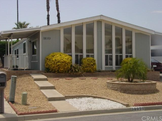 38059 Calle De Amor, Murrieta, CA 92563 (#SW17146663) :: Allison James Estates and Homes