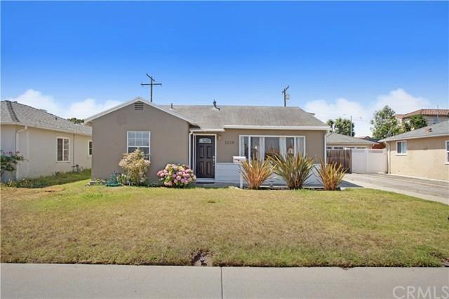 1138 W 210th Street, Torrance, CA 90502 (#OC17146758) :: Erik Berry & Associates