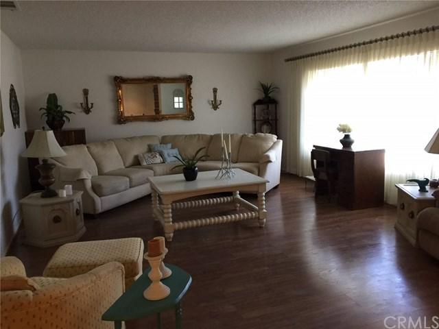531 Carmel Way, Hemet, CA 92545 (#OC17145426) :: Allison James Estates and Homes