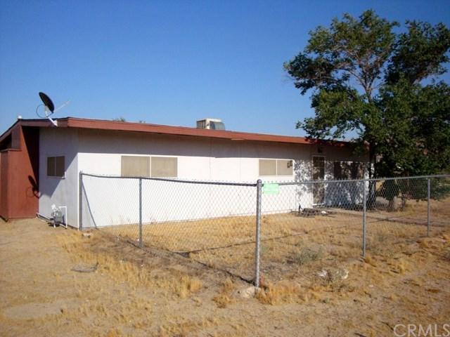 6393 Marvin Drive, Yucca Valley, CA 92284 (#JT17144467) :: Erik Berry & Associates