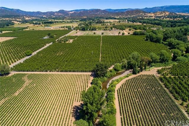 2179 Scotts Valley, Lakeport, CA 95453 (#LC17152304) :: Kristi Roberts Group, Inc.