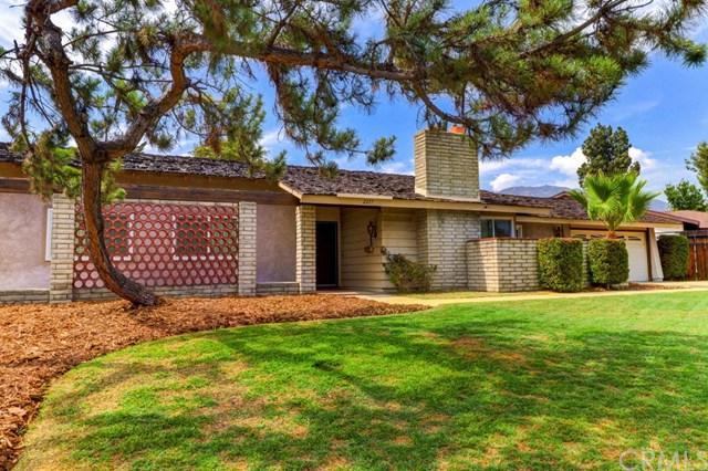 2217 N Villa Maria Road, Claremont, CA 91711 (#CV17163255) :: Mainstreet Realtors®