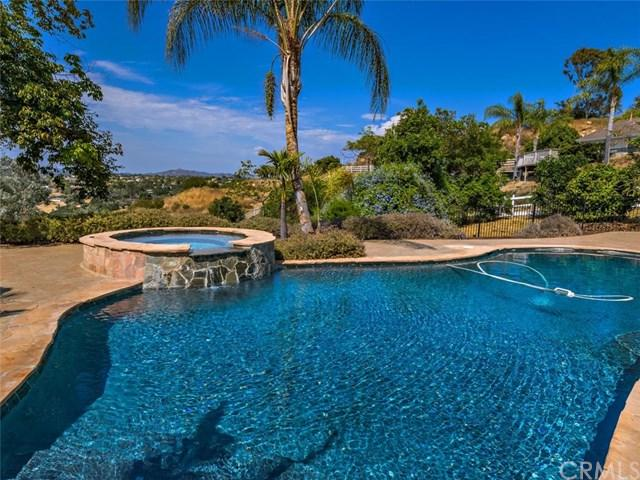 2449 Trails End, Fallbrook, CA 92028 (#SW17166239) :: Dan Marconi's Real Estate Group