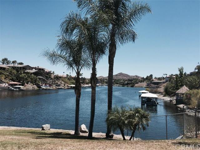 22610 Canyon Lake Drive North, Canyon Lake, CA 92587 (#SW17166279) :: California Realty Experts