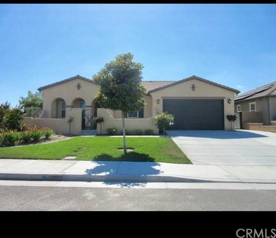 6781 Dusty Trail Road, Eastvale, CA 92880 (#PW17166692) :: Provident Real Estate