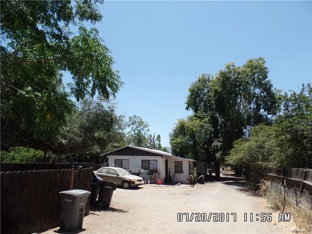 804 E Lakeshore Drive, Lake Elsinore, CA 92530 (#IV17167212) :: California Realty Experts
