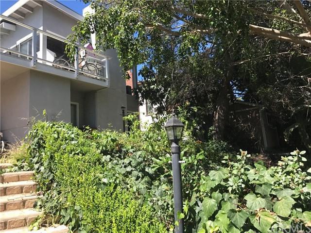 351 Catalina Drive, Newport Beach, CA 92663 (#OC17166608) :: The Darryl and JJ Jones Team
