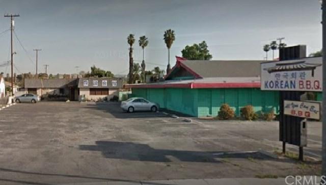 9844 Magnolia Avenue, Riverside, CA 92503 (#IG17167702) :: Provident Real Estate