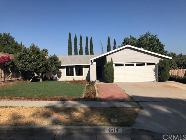 1614 Marie Street, Riverside, CA 92879 (#SW17167896) :: Provident Real Estate