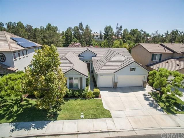 43749 Calle Balmez, Temecula, CA 92592 (#SW17167940) :: Dan Marconi's Real Estate Group