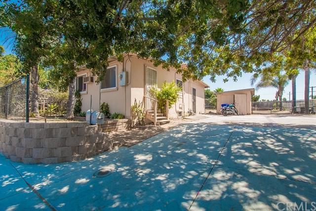 658 N Grape Street, Escondido, CA 92025 (#SW17162626) :: Dan Marconi's Real Estate Group