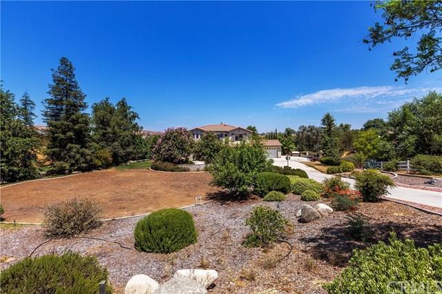 17956 Seven Springs Way, Riverside, CA 92504 (#IV17168031) :: Provident Real Estate