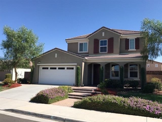 45004 Blue Moon Street, Lake Elsinore, CA 92532 (#IV17168328) :: Provident Real Estate