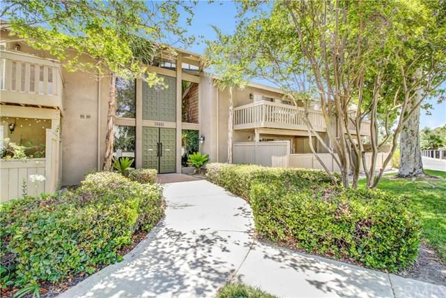28661 Via Las Flores #304, Murrieta, CA 92563 (#SW17168415) :: Dan Marconi's Real Estate Group