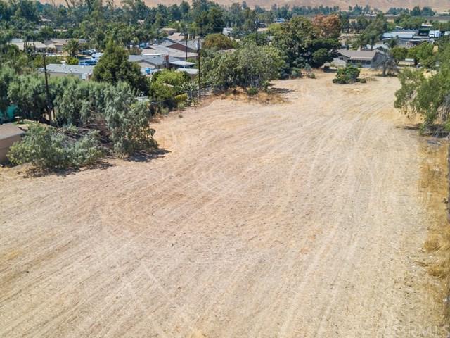 9688 Hastings Boulevard, Riverside, CA 92509 (#IV17168460) :: Dan Marconi's Real Estate Group
