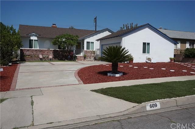 609 Juniper Avenue, Upland, CA 91786 (#CV17168829) :: Mainstreet Realtors®