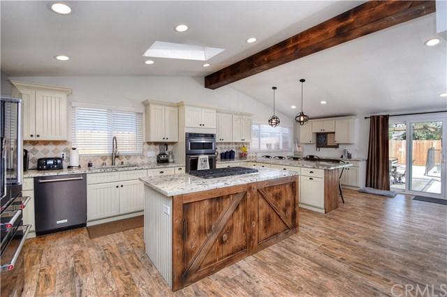 270 Princeton Drive, Costa Mesa, CA 92626 (#NP17170112) :: Mainstreet Realtors®