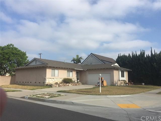 3641 Rossmoor Way, Los Alamitos, CA 90720 (#PW17170366) :: Kato Group