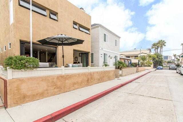 209 42nd Street, Newport Beach, CA 92663 (#NP17170138) :: Mainstreet Realtors®