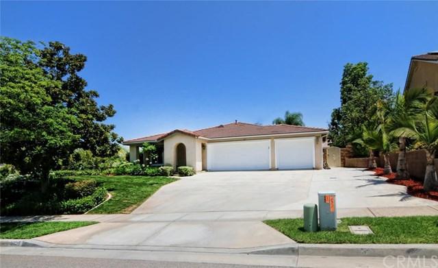 3925 Belfry Circle, Corona, CA 92883 (#IG17170755) :: Mainstreet Realtors®