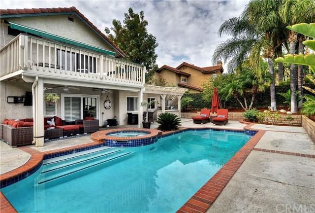 2556 Centennial Way, Corona, CA 92882 (#OC17168658) :: Mainstreet Realtors®