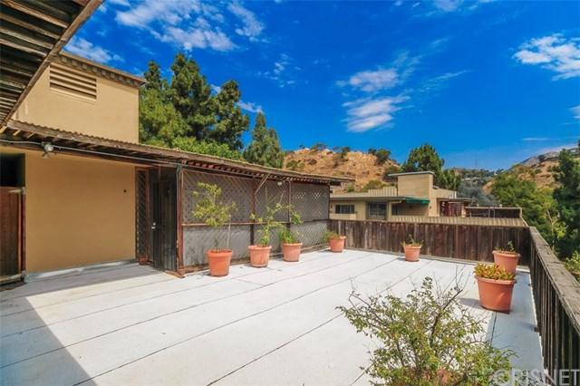 6702 Hillpark Drive #505, Hollywood Hills, CA 90068 (#SR17174579) :: Prime Partners Realty