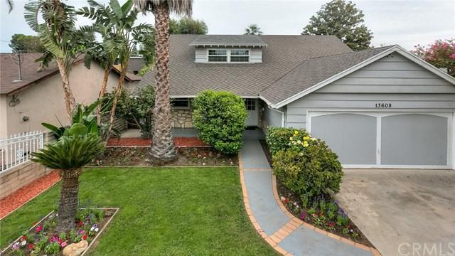 13608 Hartland Street, Valley Glen, CA 91405 (#BB17127718) :: Fred Sed Realty