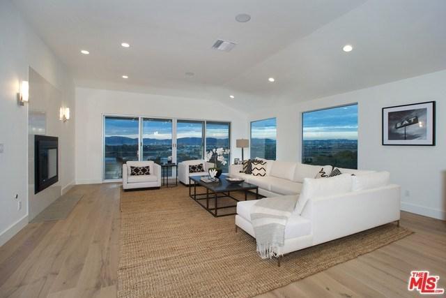 8125 Tuscany Avenue, Playa Del Rey, CA 90293 (#17255406) :: Erik Berry & Associates