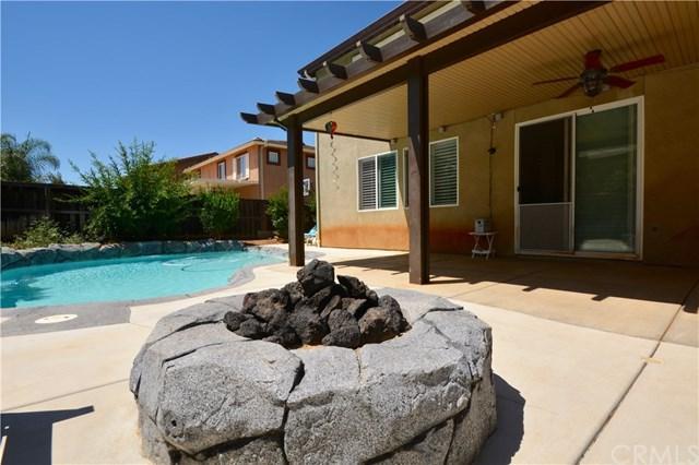33706 Sundrop Avenue, Murrieta, CA 92563 (#SW17180738) :: Allison James Estates and Homes