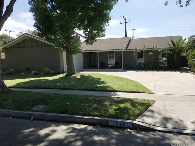 12441 Foster Road, Rossmoor, CA 90720 (#PW17180854) :: Kato Group