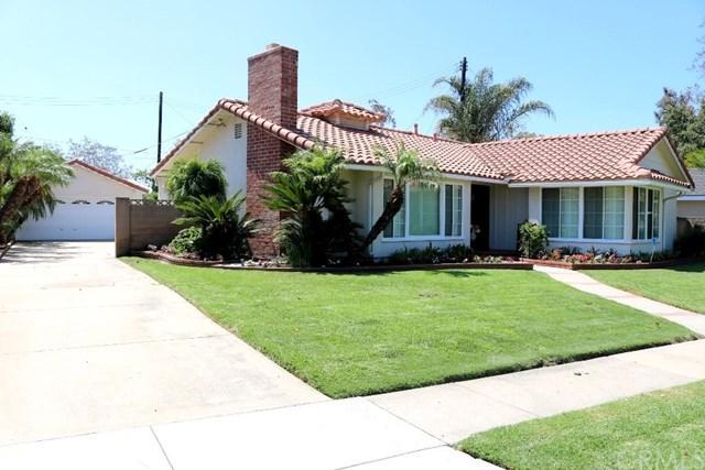 2662 Walker Lee Drive, Los Alamitos, CA 90720 (#RS17183028) :: Kato Group