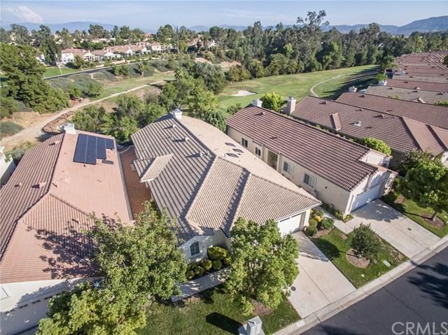 40120 Via Tonada, Murrieta, CA 92562 (#SW17163274) :: Allison James Estates and Homes