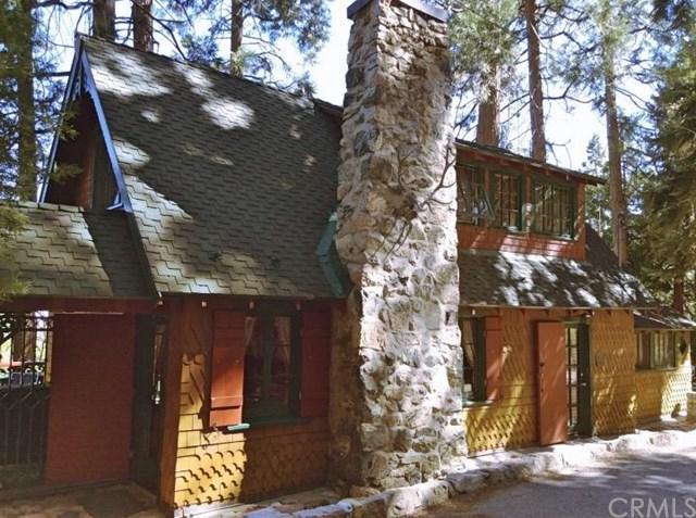 522 Stonehill Drive, Lake Arrowhead, CA 92352 (#EV17187841) :: Angelique Koster