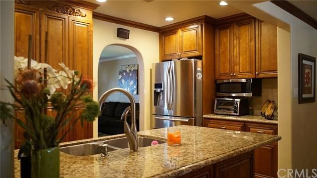 1605 N Fairview Street, Burbank, CA 91505 (#WS17187849) :: The Brad Korb Real Estate Group