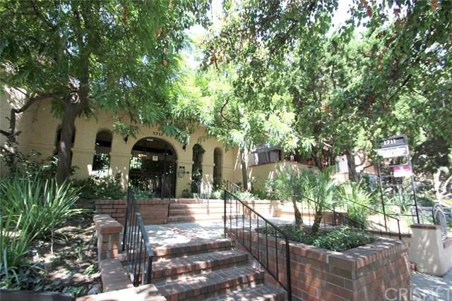 1711 Grismer Avenue #82, Burbank, CA 91504 (#SR17185984) :: The Brad Korb Real Estate Group