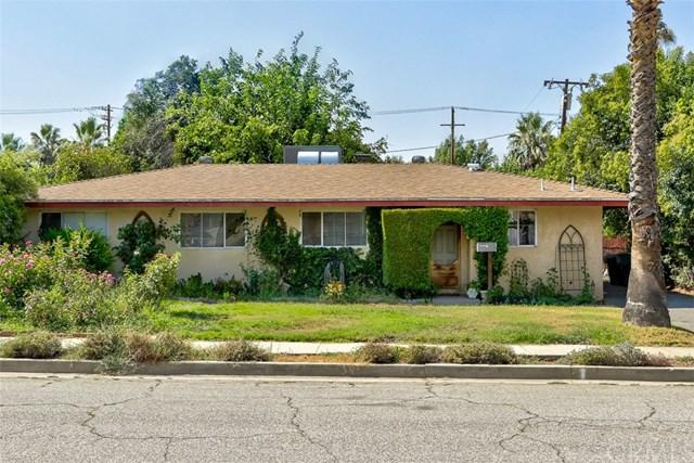 225 Lilac Court, Redlands, CA 92373 (#EV17184687) :: Angelique Koster