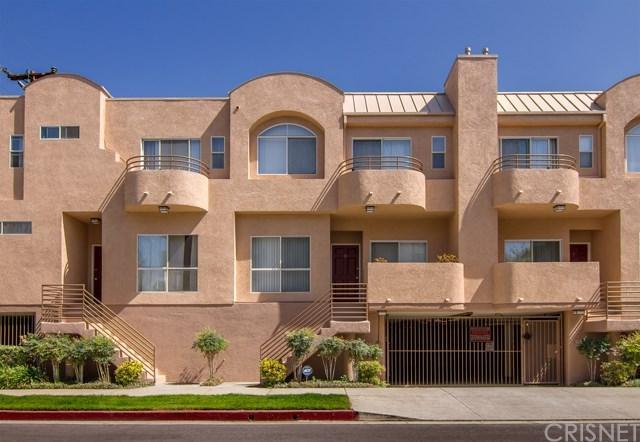 11524 Moorpark Street #5, Toluca Lake, CA 91602 (#SR17189356) :: The Brad Korb Real Estate Group