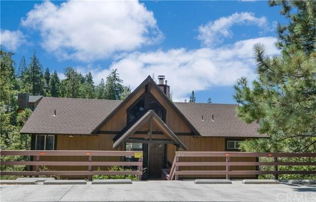 876 Breithorn Drive, Lake Arrowhead, CA 92352 (#EV17189367) :: Angelique Koster