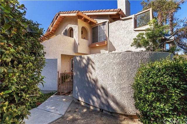 26592 Las Palmas #4, Laguna Hills, CA 92656 (#OC17189479) :: Fred Sed Realty